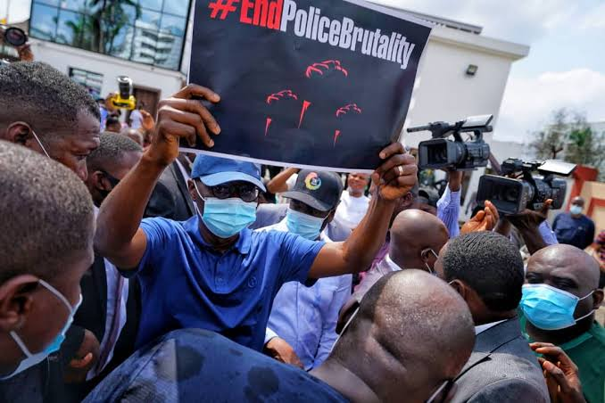 EndSars: 3 Notable things that Happened at the Ongoing End Sars Protest  around Nigeria - Opera News