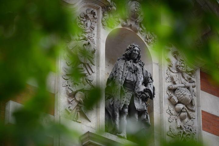 A statue of Sir <a class=
