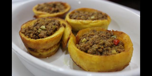 Fried plantain meat pie