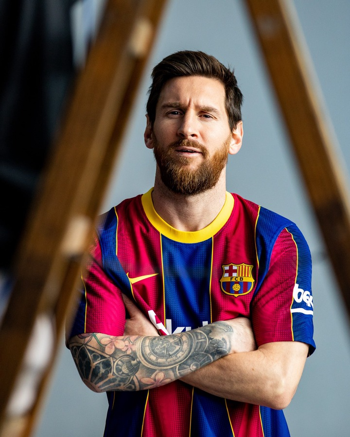 Lionel Messi Unveils Fc Barcelona S New Home Kit For The 2020 2021 Football Season Opera News