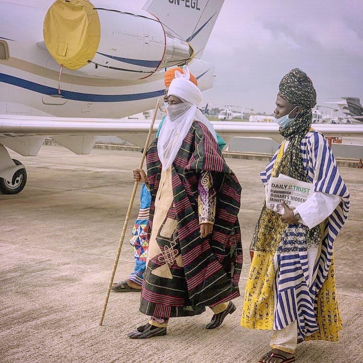 Reasons why Emir Sanusi is still Wearing His Royal Clothes After his Dethronement [Photos]